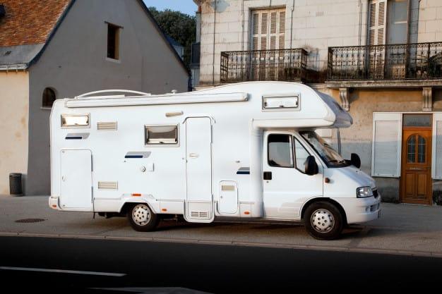 Réservez votre place pour les camping-cars